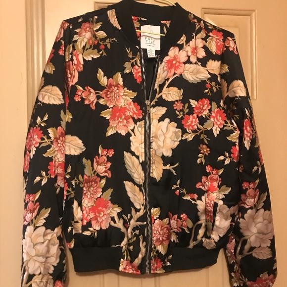 Full Tilt Jackets & Blazers - Silk floral zip up jacket
